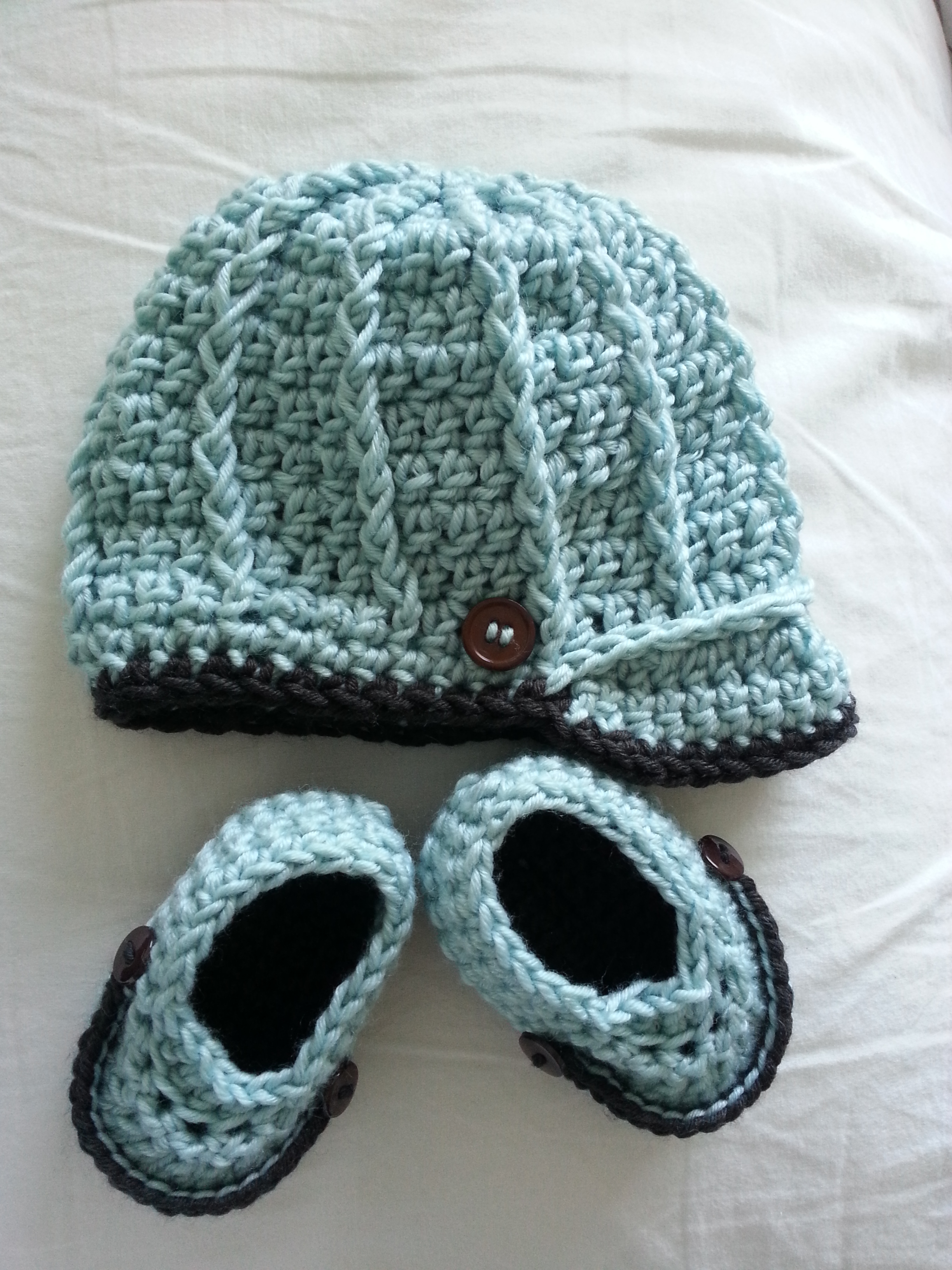 Free Crochet Patterns For Newborn Baby Hats : Newborn Baby Boy Crochet Hat & Booties Set ...